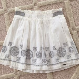 Hollister White Embroidered Skirt
